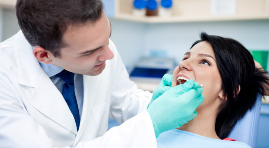 5 Key Reasons to Consider Dental Implants For Healthy Oral Health